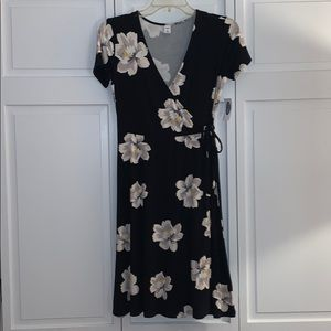 NWT old navy floral wrap dress